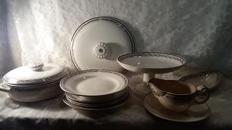 Vaisselle porcelaine Digoin S. série Valence lot