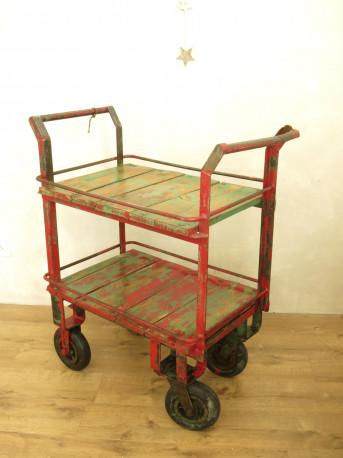 chariot industriel vintage les vieilles choses. Black Bedroom Furniture Sets. Home Design Ideas