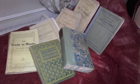 Livres trés anciens + que centanaires**