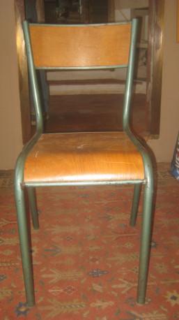 Lot de deux chaises d'école