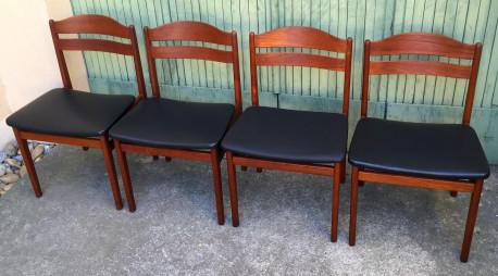 4 Chaises en teck scandinave estampillées vintage