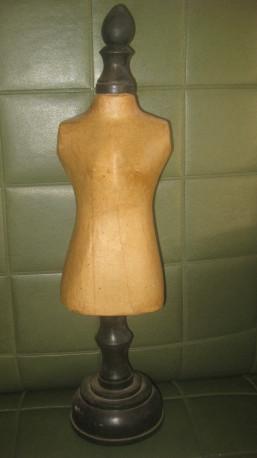 Buste porte-biloux vintage