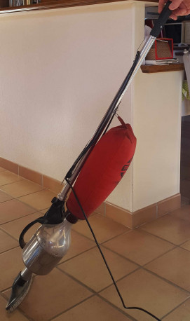 aspirateur balai Tornado flash vintage