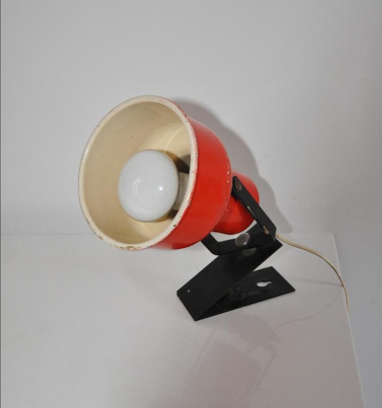 lampe spot pince rouge vintage les vieilles choses. Black Bedroom Furniture Sets. Home Design Ideas