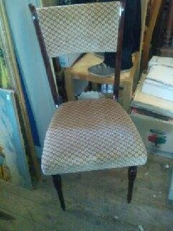 6 chaises bois et tissu vintages