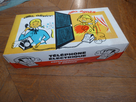 2 téléphones électriques Vintage 1970