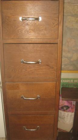 Meuble bois à tiroirs