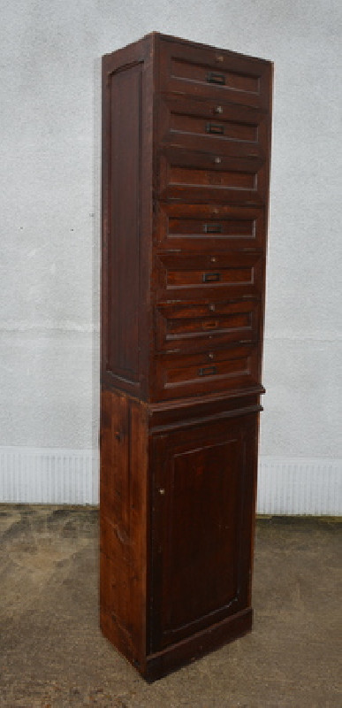meuble de rangement clapets meuble de m tier ancien les vieilles choses. Black Bedroom Furniture Sets. Home Design Ideas