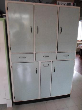 buffet de cuisine formica vintage les vieilles choses. Black Bedroom Furniture Sets. Home Design Ideas