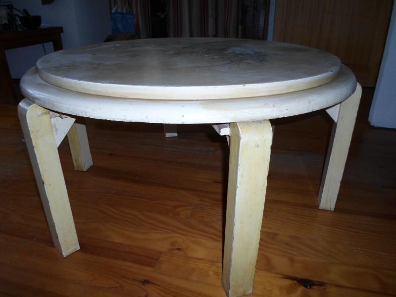 table basse ronde bois ancienne les vieilles choses. Black Bedroom Furniture Sets. Home Design Ideas