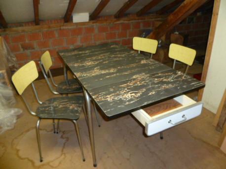 Table + 4 chaises en formica vintage
