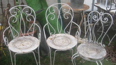 2 fauteuils, 1 chaise de jardin