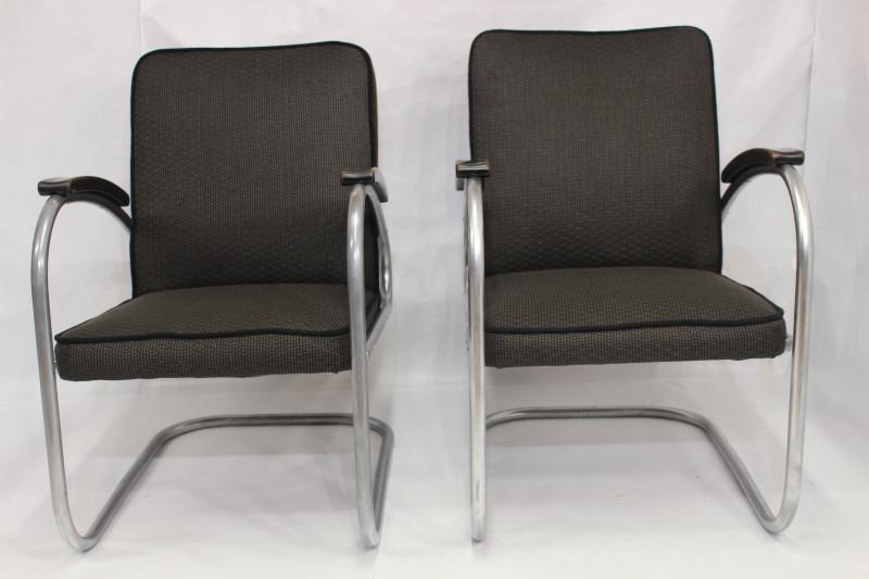 paire de fauteuil cantilever mod le rs7 de mauser werken 1930s les vieilles choses. Black Bedroom Furniture Sets. Home Design Ideas