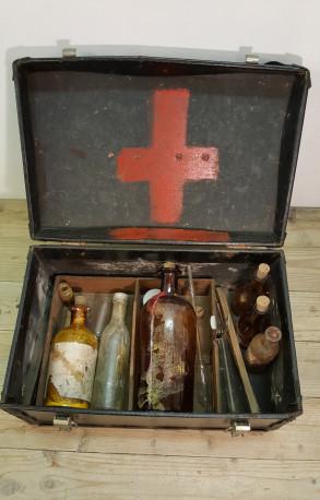Pharmacie de voyage.