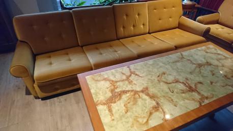 Ensemble complet canapé 4 places, 2 places et son fauteuil vintage.