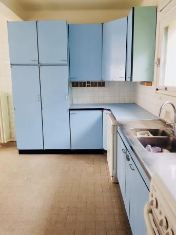 meuble cuisine compl te formica vintage bon tat les. Black Bedroom Furniture Sets. Home Design Ideas