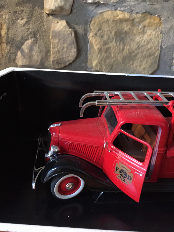 Camion A Louer >> Camion Pompier Ford Solido 8026 vintage - Les Vieilles Choses