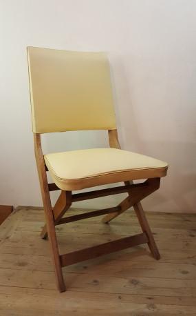 Chaise rétro.