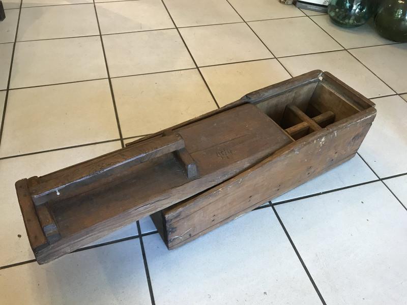 caisse outils ancienne en bois plombier les vieilles. Black Bedroom Furniture Sets. Home Design Ideas