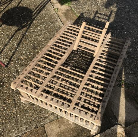 Cage pour la vente des poulets
