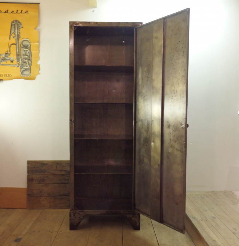 armoire d 39 atelier ancienne les vieilles choses. Black Bedroom Furniture Sets. Home Design Ideas