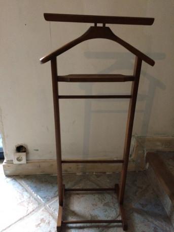 valet de chambre les vieilles choses. Black Bedroom Furniture Sets. Home Design Ideas