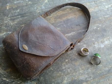 SAC porte MONNAIE cuir TISSU mécanisme MÉTAL vintage wallet bag leather old Dim. 14 x 13 x 4 cm. Poids. 160g