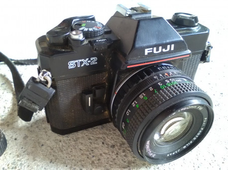 Appareil photo FUJi STX-2 + Objectif X-FUJINON 50mm 1.9 FM photography.vintage argentique old