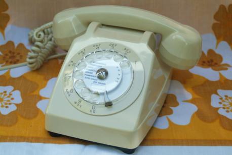 Téléphone a cadran socotel 63 de 1981