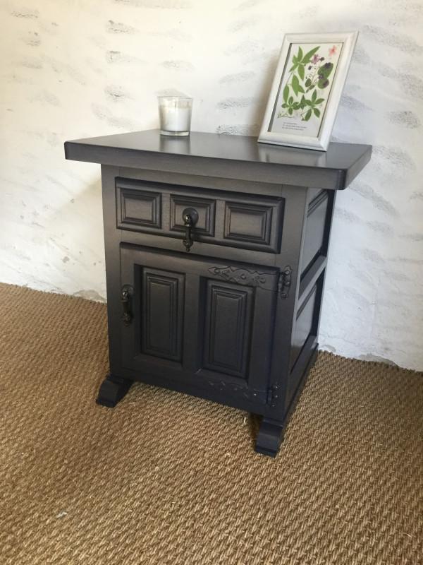 chevet ancien les vieilles choses. Black Bedroom Furniture Sets. Home Design Ideas