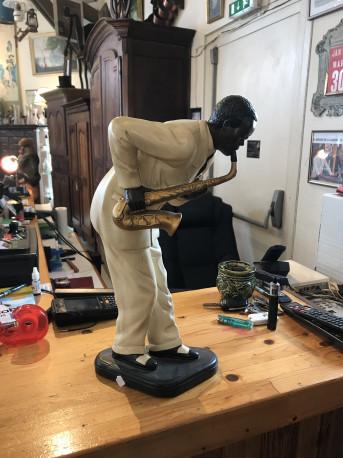 Statue saxophoniste