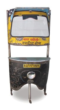 Ancien avant de rickshaw transformé en bar