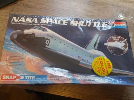 Maquette NASA Space Shuttle sous blister
