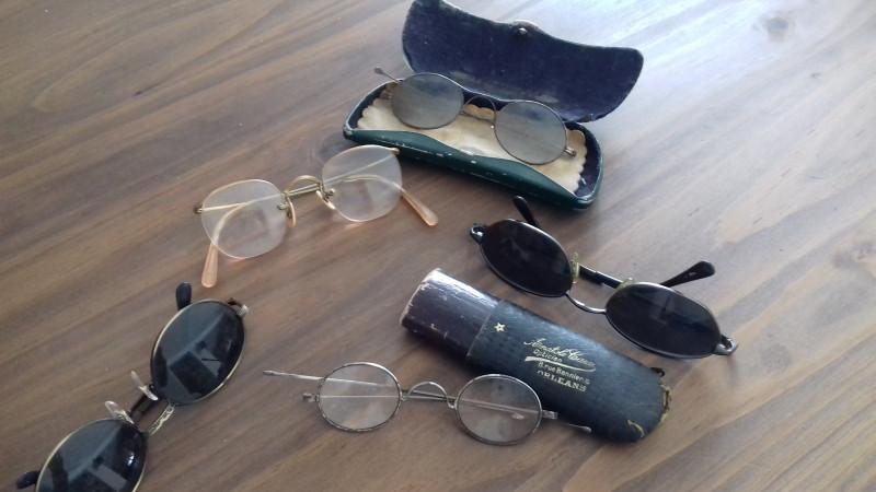 lunettes anciennes les vieilles choses. Black Bedroom Furniture Sets. Home Design Ideas