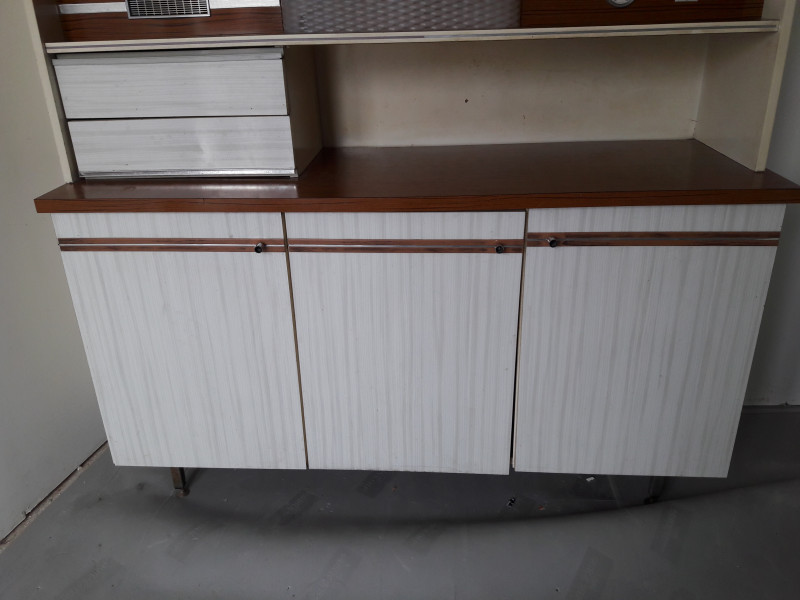 Buffet cuisine formica en 2 parties les vieilles choses for Buffet cuisine en formica