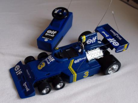 Formule 1 téléguidée