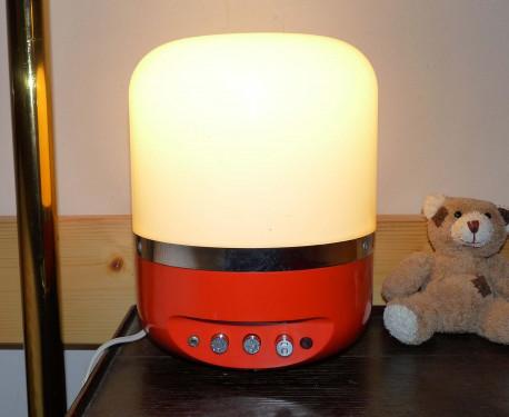 lampe, veilleuse et radio