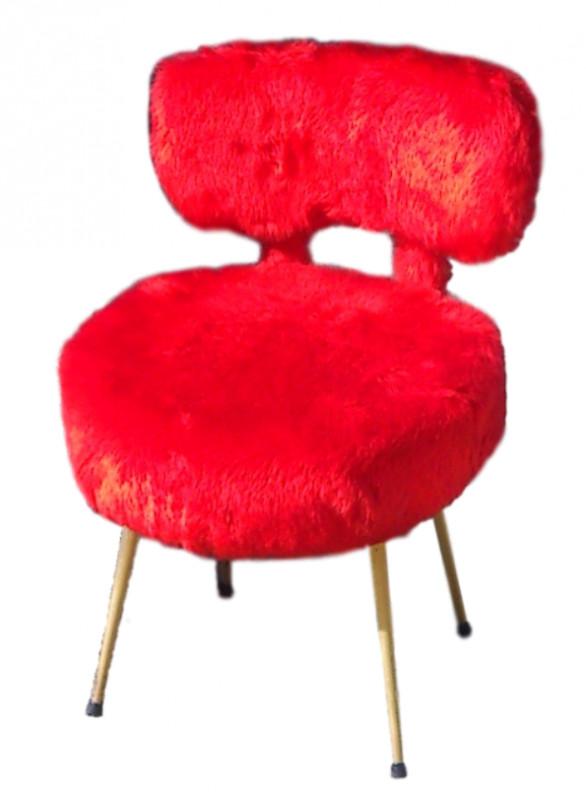 fauteuil pelfran en fausse fourrure rouge vif vintage les vieilles choses. Black Bedroom Furniture Sets. Home Design Ideas