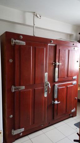 Ancienne chambre froide de boucher