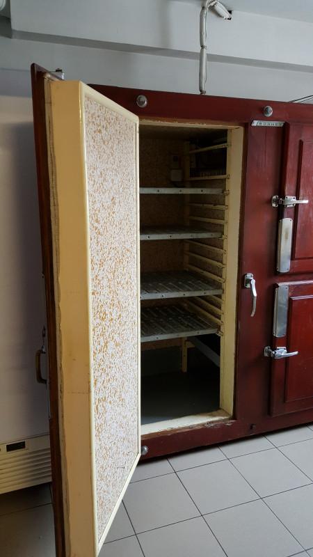 Chambre froide de boucher ancienne