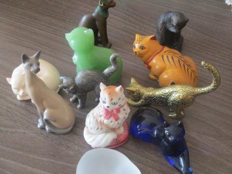 Chats en céramique vintage