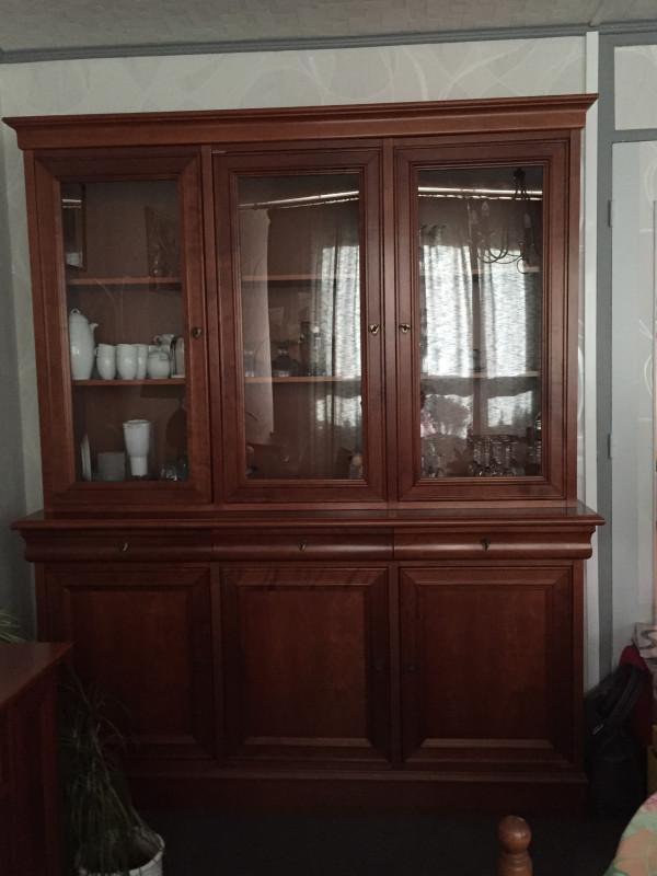 buffet vaisselier style louis philippe ancien les. Black Bedroom Furniture Sets. Home Design Ideas