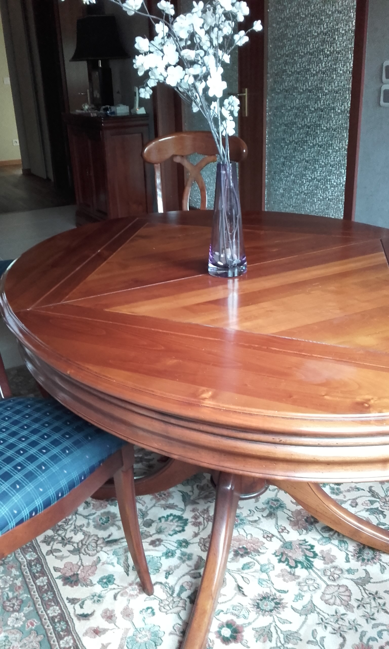 Table ovale Roche-Bobois merisier vintage