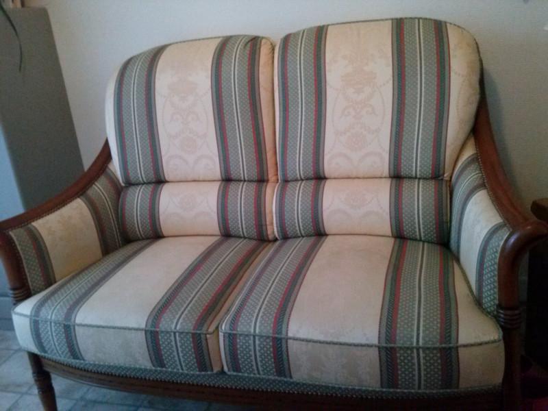 canap ancien les vieilles choses. Black Bedroom Furniture Sets. Home Design Ideas
