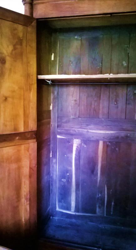 armoire ancienne les vieilles choses. Black Bedroom Furniture Sets. Home Design Ideas