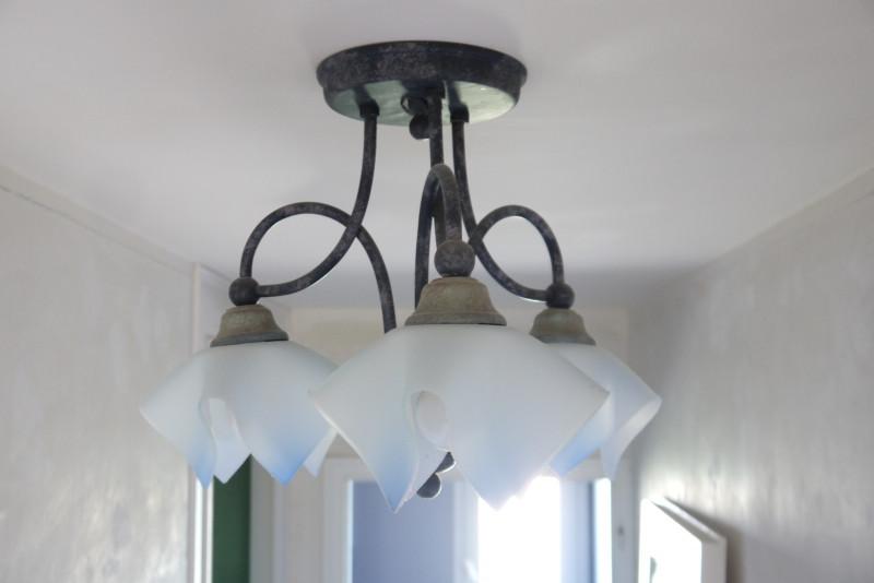 luminaire en fer forge bleu vintage les vieilles choses. Black Bedroom Furniture Sets. Home Design Ideas