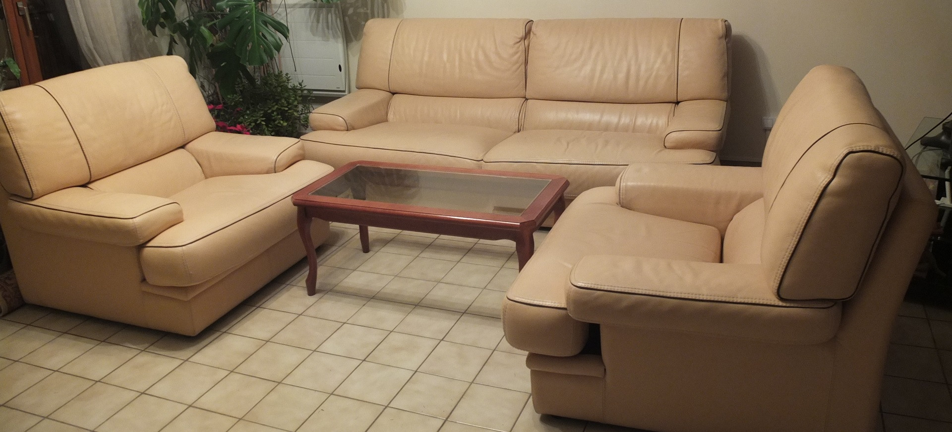 Cuir De Vachette C Est Quoi canapé cuir vachette et deux fauteuils assortis