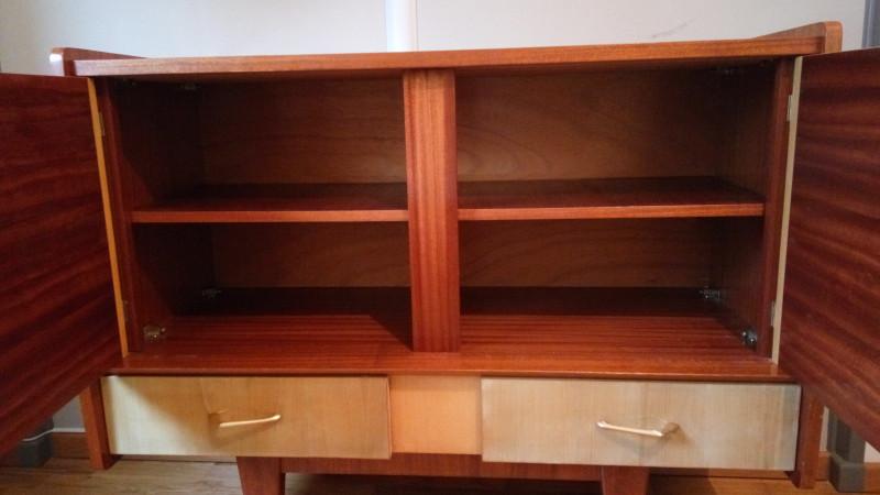 buffet ou meuble bar vintage les vieilles choses. Black Bedroom Furniture Sets. Home Design Ideas
