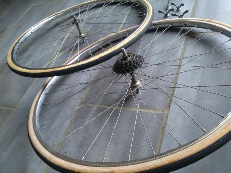 PAIRE roue SAMIR SAMINOX datée 77 chromé 700 cyclo 72 vintage WHEELSET bike OLD + 4 attaches papillons Poids de l'ensemble