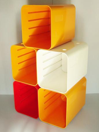 etag re modules en plastique ann es 1970 les vieilles choses. Black Bedroom Furniture Sets. Home Design Ideas